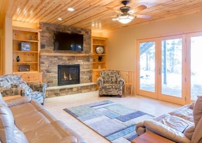Horseshoe Lake Home - Lower Living
