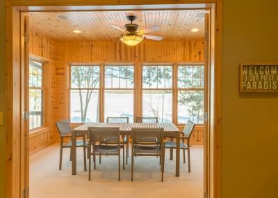 Horseshoe Lake Home - 4 Season Room